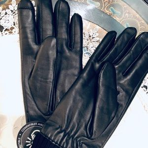 Women's Leather Touchscreen Gloves, Black (New)